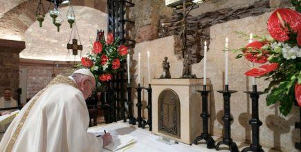 Carta Encíclica Fratelli Tutti del Santo Padre Francisco sobre la fraternidad y la amistad social