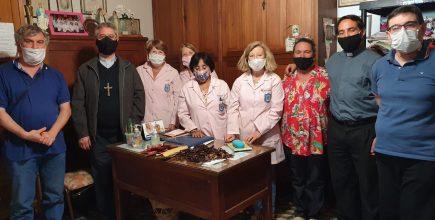 En el marco de la Jornada Mundial de los Pobres, el Arzobispo, en nombre de la Iglesia arquidiocesana,  entregó una ayuda económica a las Voluntarias del Hospital de Luján