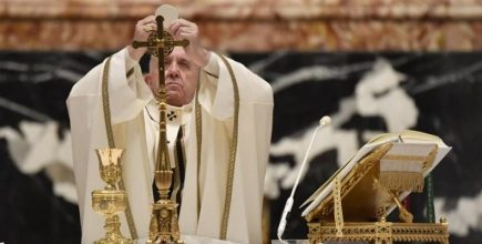 Santa Misa de Noche Buena y Natividad del Señor | Homilía del Santo Padre Francisco