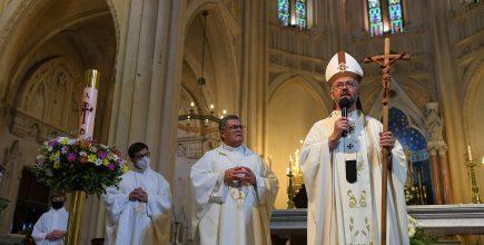 Nuestro padre obispo presidió la Eucaristía del Domingo de Pascua en la Catedral de Mercedes