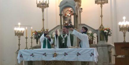 «El Señor es nuestra respuesta a la muerte». Misa por los enfermos y fallecidos de covid en Marcos Paz