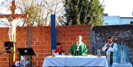 Misa por los enfermos y fallecidos de Covid y sus familias en San Cayetano de Luján
