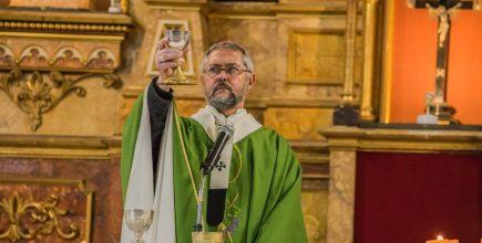 Misas por los enfermos y fallecidos de Covid y sus familias. Preside el Padre Obispo