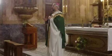 Misa por los enfermos y fallecidos de Covid y sus familias en Navarro.